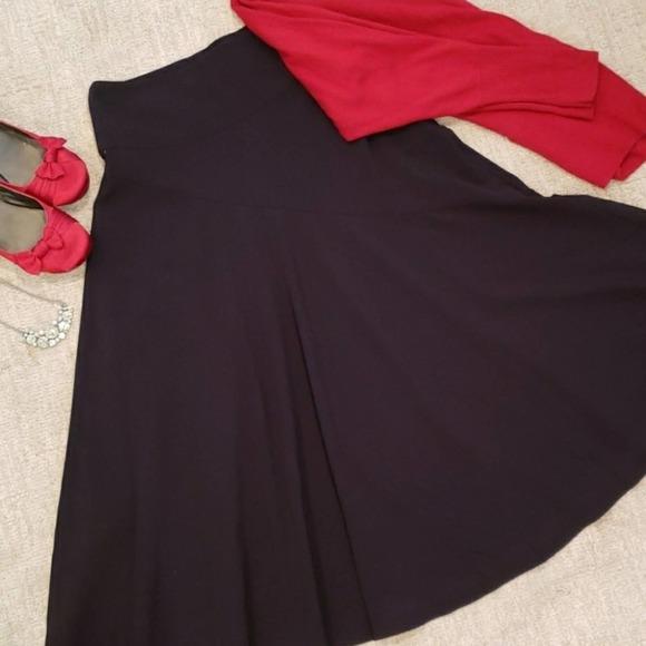 🌻3 for $18 Black Midi Length Skirt